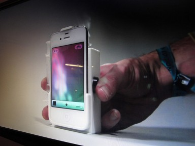 Use-Your-iPhone-Case-To-Send-Smoke-Signals-Even